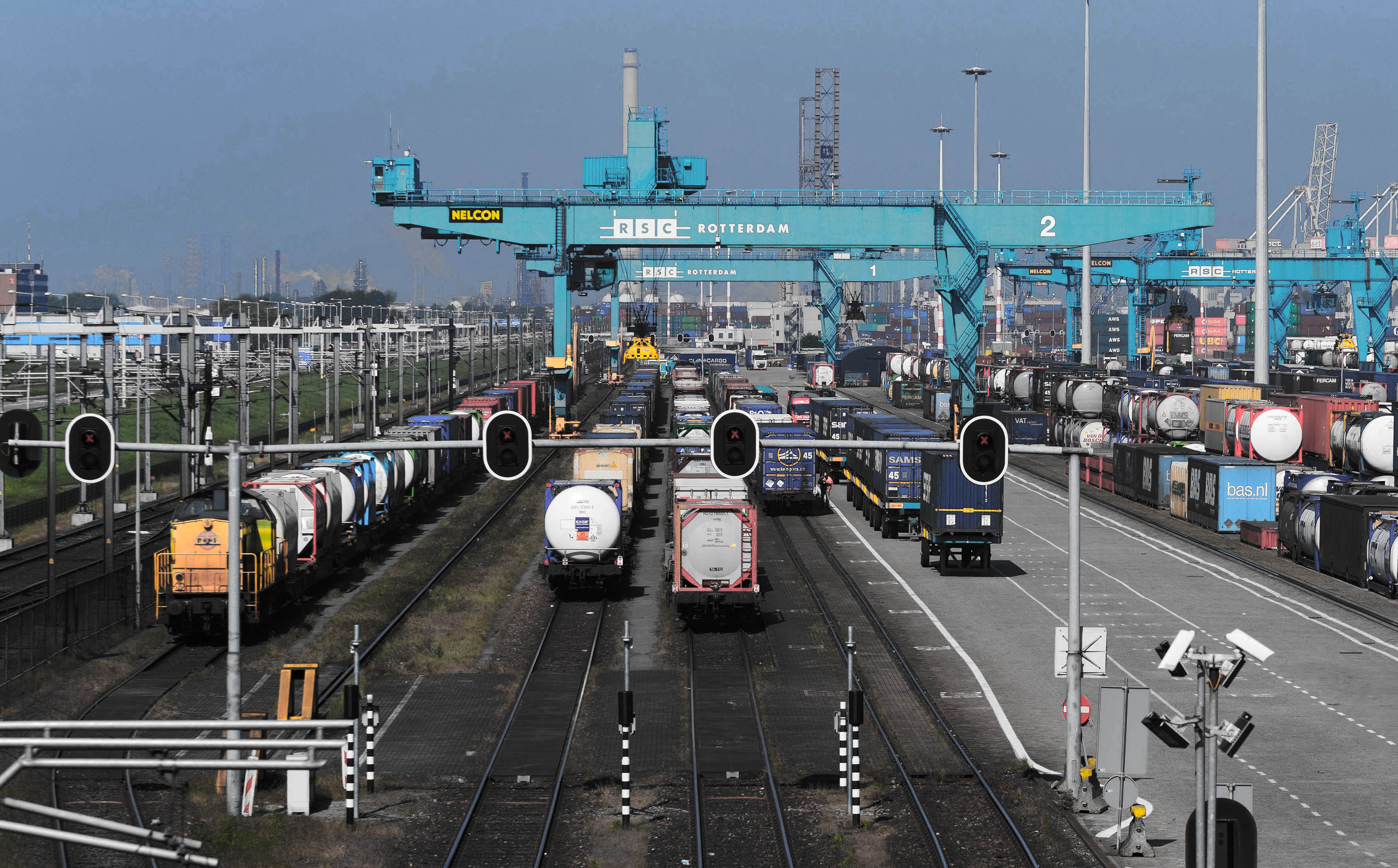 RSC Rotterdam trains with intermodal tank transport